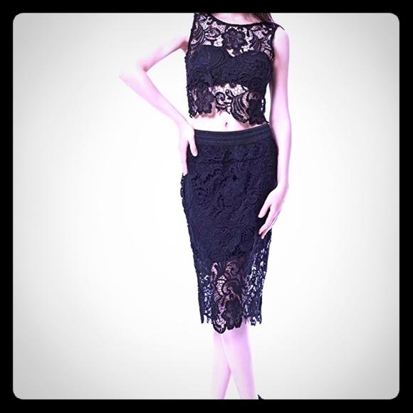 Dresses & Skirts - 2 Piece Lace Crop Top & Skirt